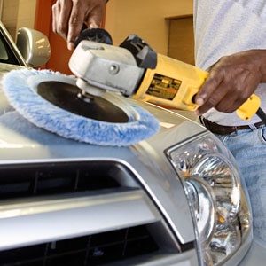 Finding a good mobile car detailer on the Sunshine Coast to wash and polish your car
